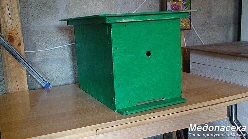 Купить универсальную ловушку для пчел в Москве.